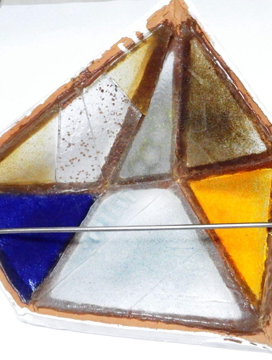 Applique in terracotta con formelle in vetro