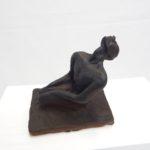 Scultura in terracotta smaltata nero satinato