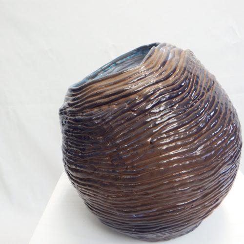 vaso-in-terracotta-lavorazione-a-colombino-smalto-blu-6.jpg