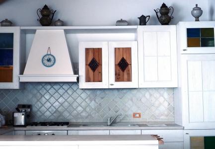 Mobili in legno massello artigianali tavolini cucine cancelli - Cucine artigianali in legno massello ...